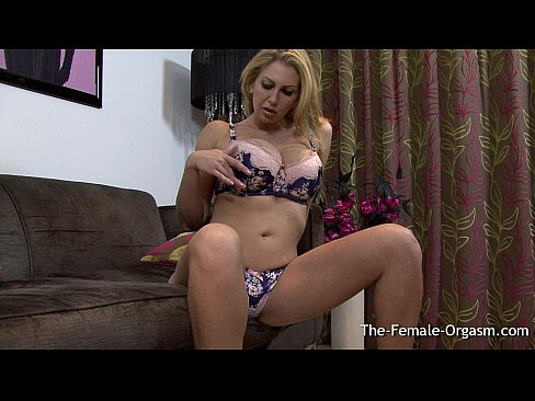 Milf masturbates to real orgasm