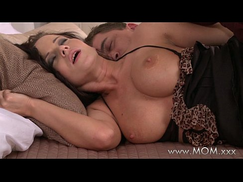 Image MOM Busty Brunette MILF takes his length
