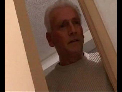 Порно видео дед внучка в ванной
