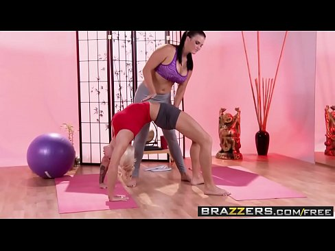 Brazzers – Hot And Mean – (Lylith Lavey) (Mackenzee Pierce) – The Hottest Yoga