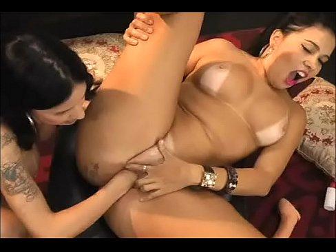 world largest pussy women