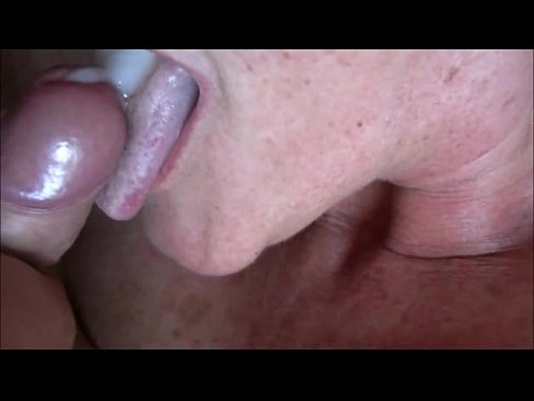 Amateur woman fucked by huge cock