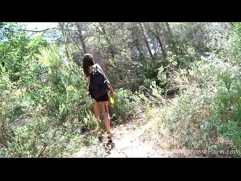 Видео порно русские снимает шлюху в лесу