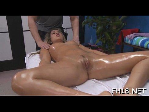 giantess buttcrush