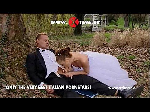 nevestu-trahnuli-na-prirode-layn-porno-gimnastki