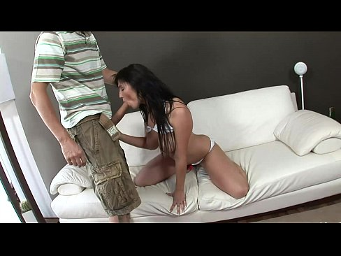 Giant Cock for a real Nynpho… – 25 min