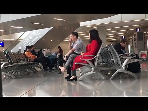 Cams4free.net - Chinese Woman Dangling at Airport's Thumb