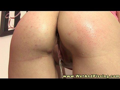 Bizarre pee fetish babe drips pee on herXXX Sex Videos 3gp