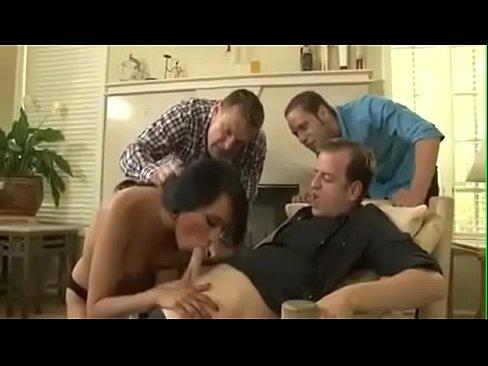 seks-videoroliki-kak-ebut-transov-poymal-devushku