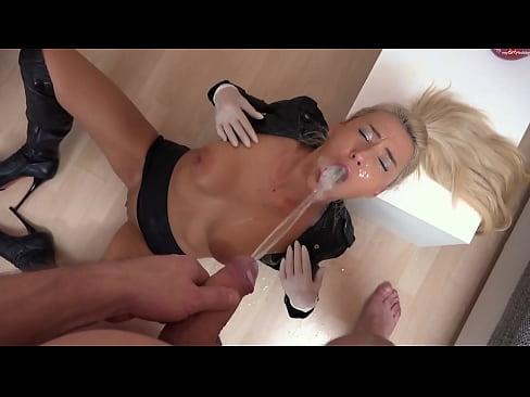Ingyenes pisilés fekete pornó