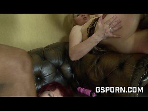 Oria de abuelas con adicion anal