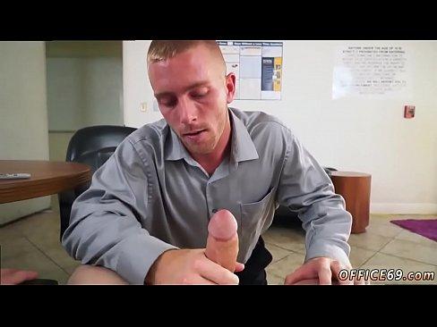 Gratis gay boss porno