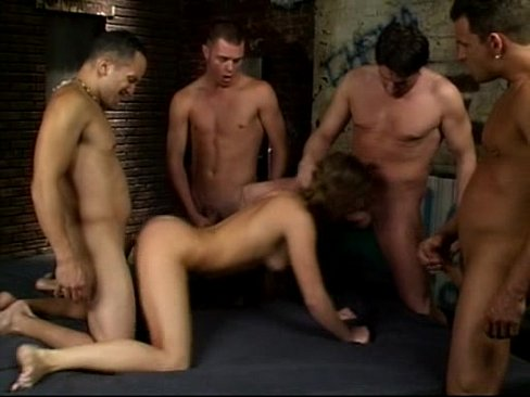 Порно семеро на одну очень жестко смотреть где говорят