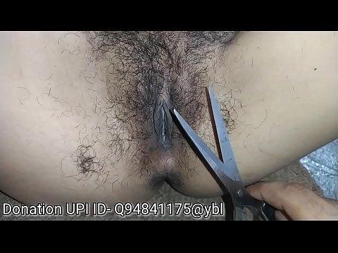 रितिका की झांट के बाल काटे