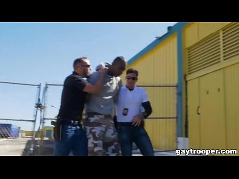 Police guy fucks with a thug
