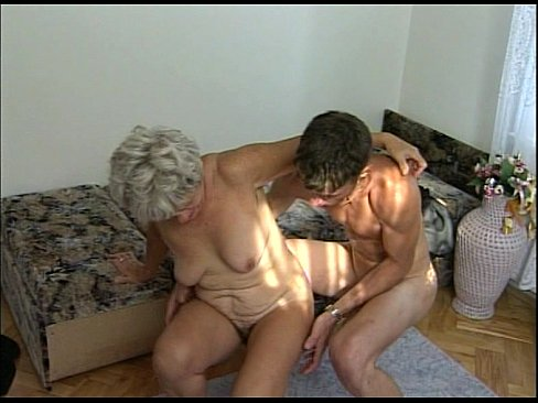 Порно в део голих мам