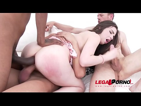 Linda Brugal 3on1 Airtight DP For Gonzo