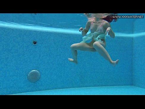 Porn under water MATURE UNDERWATER