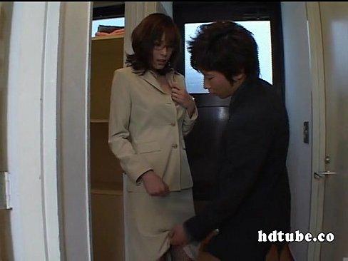立花里子が強盗に襲われてしまい縄で縛られ目隠しされておっぱい揉まれる