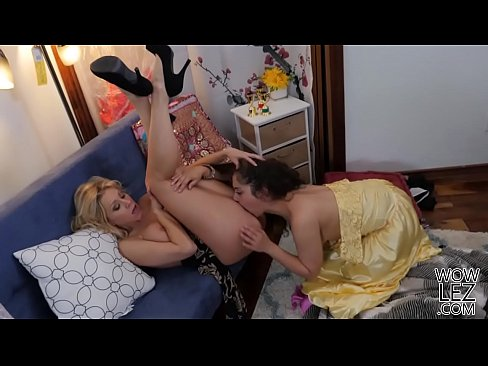 katie morgan and ziggy star licking lesbian pussies