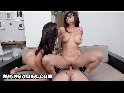 Mia Khalifa Tits Forward
