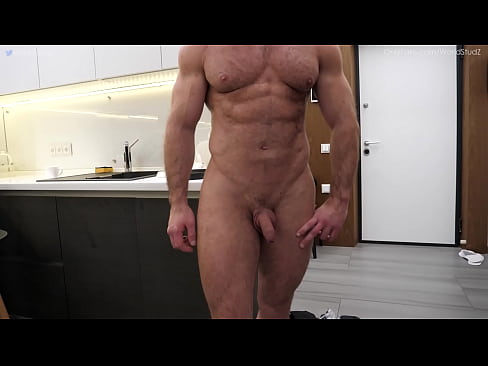 Straight muscle masseur MaxXx jerks off huge dick and gets edged OnlyFans/WorldStudZ