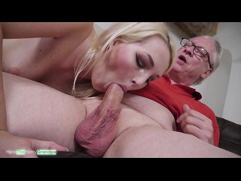 Sweet Lips On Old Dicks Ep. 03 - Die geile Blondine Lovita Fate lutscht genüßlich den Schwanz von Opa Hans