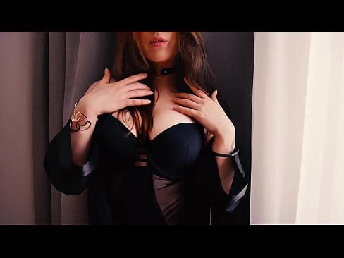 SOLO-FEMALE – Masturbation and close-ups in a hotel room.