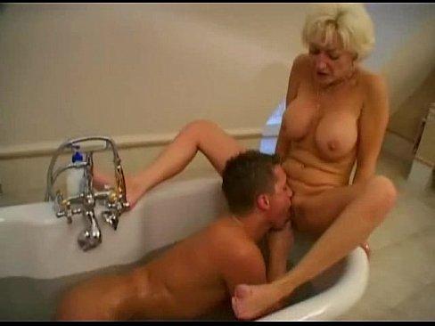 Порно про блондинок мать и сын