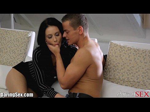 seks-kogda-zheni-net-doma-video-porno-foto-s-porno-kuklami-smotret