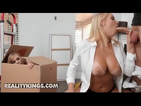 Moms Bang Teens - (Vanessa Cage, Dolly Leigh, Oliver Flynn) - Moving Out Part 2 - Reality Kings