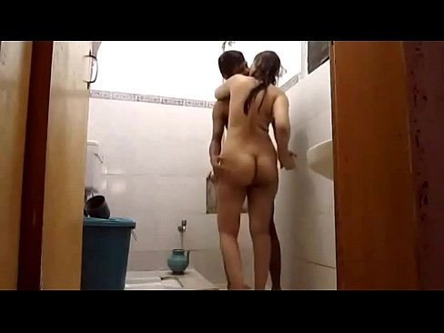 Porn Video Of Married Indian Couple Sunny Sonia Fucking In Shower