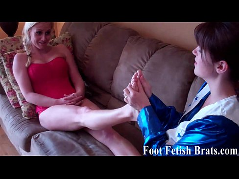 leyla and rachel sucking cheerleader toes