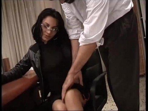 nice brunette wants a big dick!