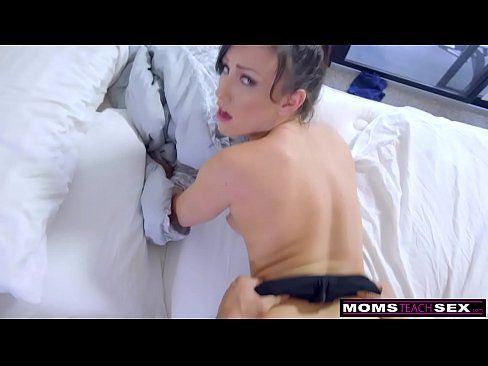 Step-Mom Wakes Sleeping Son For Cock And Creampie S7:E2