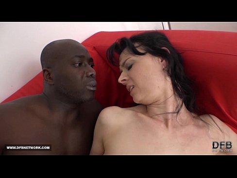 Hot MILF gets fucked by black guy in interracial fuck scene