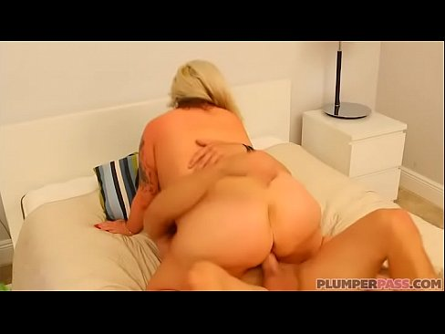 MELODY: Busty bbw plumpers