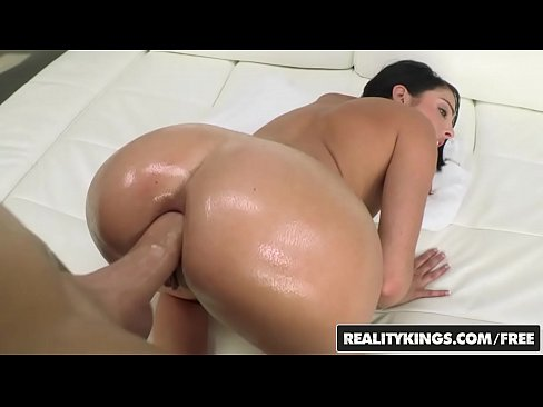 Teens love Huge COCKS – (Dianna Dee, Chris Strokes) – Dee On The Dick – Reality Kings