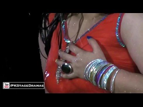 GHAZAL CHAUDHARY BOLLYWOOD MUJRA – PAKISTANI MUJRA DANCE 2015