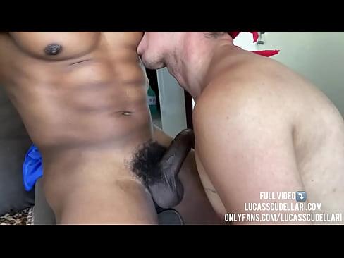 Trocando leite com meu vizinho (Vídeo completo em LucasScudellari.com, OnlyFans e XVideos Red)