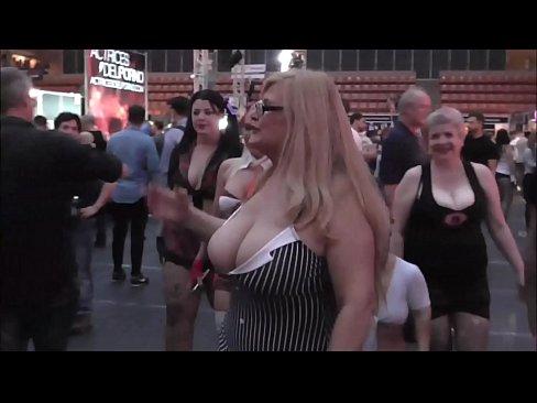 cover video Mejores Show s Del Salon Erotico De Barcelona 2016 Equipo Musa Libertina