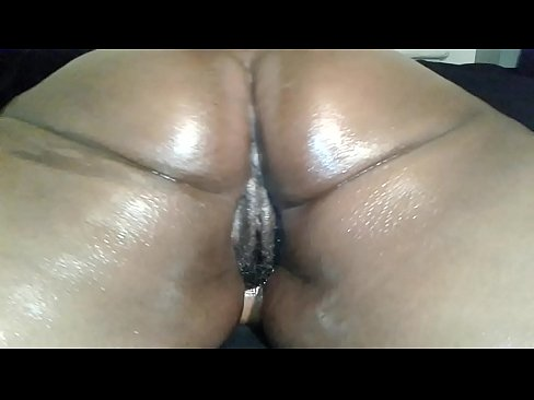 huge juicy dominican wet ass