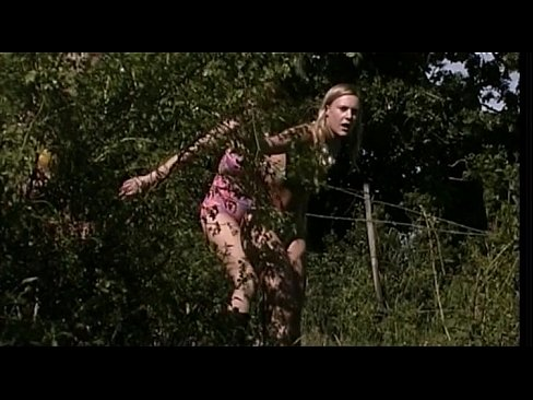 Aya Nielsen - Praestdottern