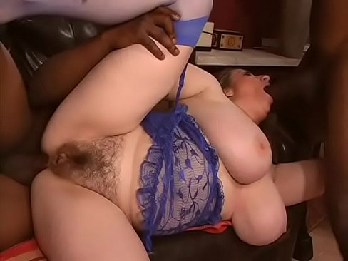 Couple of guys from ghetto have a good time with roly-poly woman with unshaved pussy in blue lingerie Kitty Lee