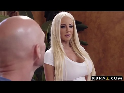 Chelios Face Un Oral Incredibil Porno Hd Xxx Fara Intreruperi