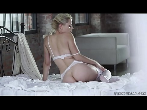 Hot Blonde Scarlett Enjoys Deep Anal Fuck