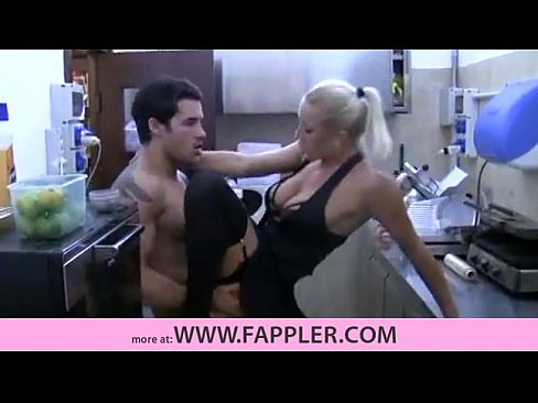 Hot mom and son free porn videos