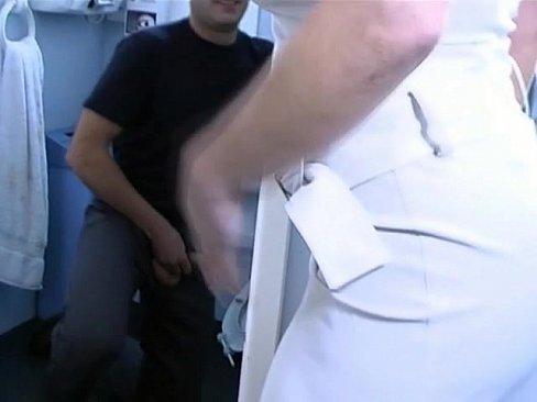 porno-trahnul-sluchayno-szadi-porno-mineti-domohozyayki
