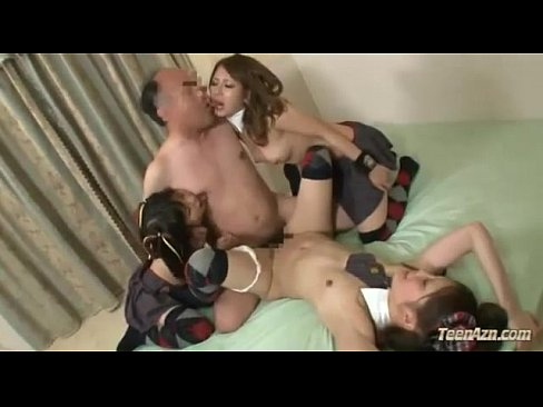 Gudang bokep 3 Schoolgirls Fucked By One Man Cum To Mouth On The Mattress In The Room