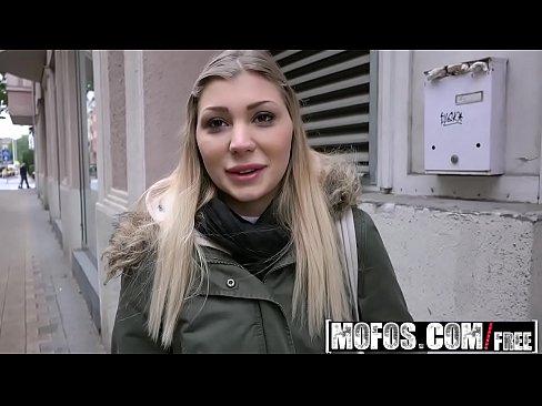 videos mamadas gratis españolas folladas por dinero